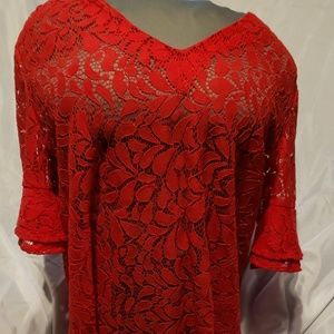 Valerie Stevens Women's V-Cut Lace Top. X-Large.
